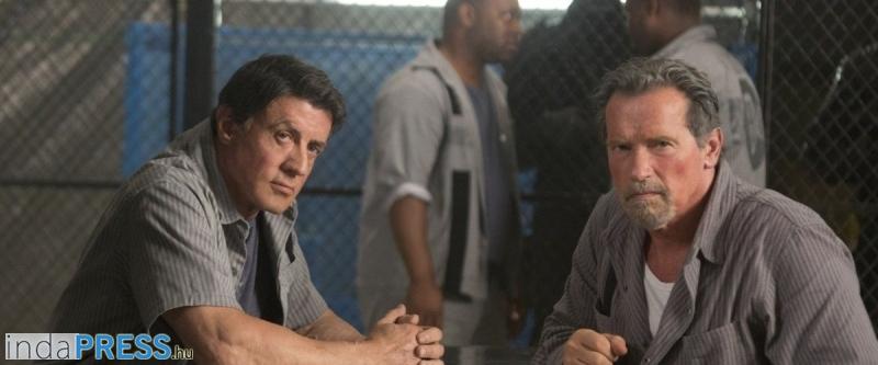 Szupercella -  Sylvester Stallone és Arnold Schwarzenegger, refplay.hu Sarkadi Roland filmkritika forrás: ESCAPE PLAN (Szupercella)c. film, 2013