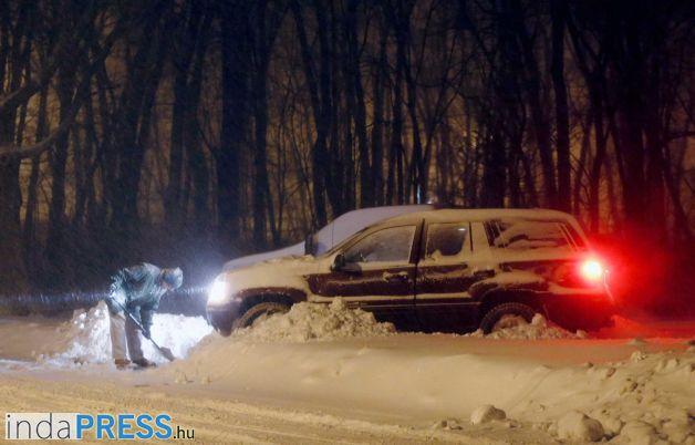 Ismét káosz a havazás miatt az Egyesült Államokban