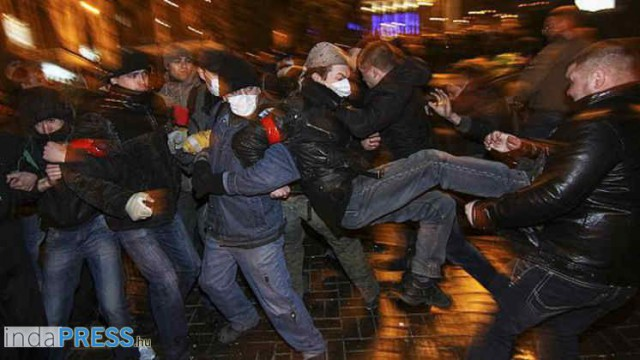 2014.03.14 - Donyeck összecsapások az Ukránok és Oroszbarát tüntet?k között.