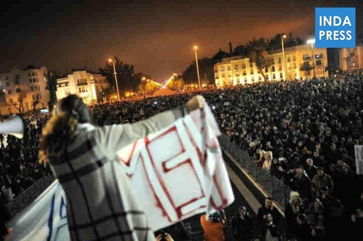 Képek a vasárnapi internetadó ellenes tüntetésről