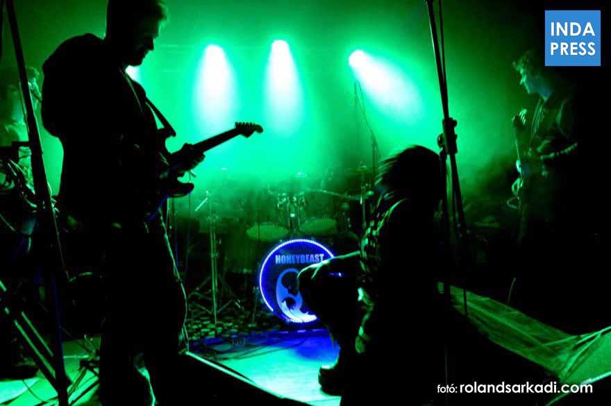 Honeybeast koncert, Klub Faház, 2014.11.22 Mosonmagyaróvár